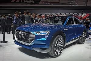 AUDI сразила автовладельцев мощным электрокроссовером E-Tron