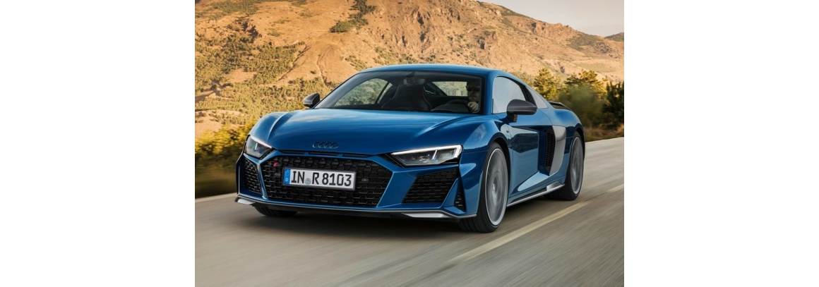 Sudden fire AUDI R8 supercar! What happened?!